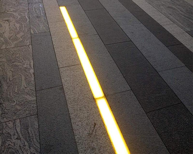 条形地砖灯